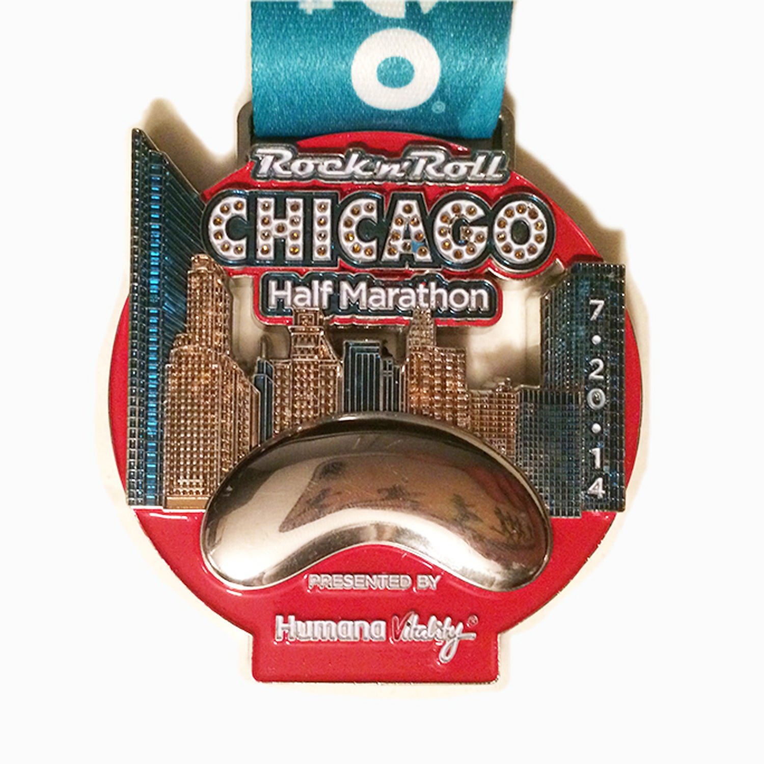 Solera: Advertisers are always quick to feature the Willis and Hancock Towers on promotional materials, so it's refreshing to see other monuments make the cut. The 2014 edition of the city's largest half marathon featured Cloud Gate, more affectionately known as the Bean, and a short strip of Michigan Avenue.