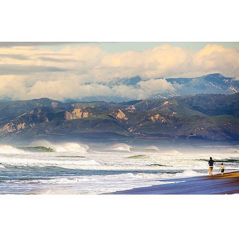 Waves rolling in.   State Beach, Ventura CA.   Photo by @connmanndann  #statebeach #california #ventura #visitventura #wave #vacation #805 #BestTowns2015