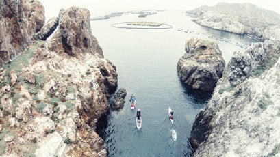 Paddling channelized canyons