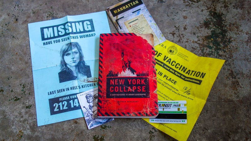 In addition to providing substantial urban survival advice, New York Collapse includes hand-written annotations by one of the game's characters, and artifacts that provide clues to help players solve puzzles.