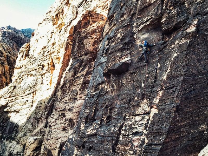 Chris Brinlee Jr. trad climbs outside Las Vegas.