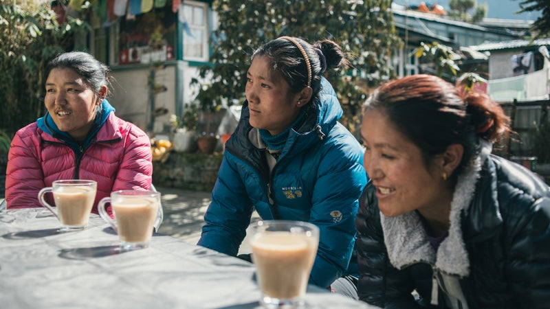 Juniper-supported relatives of two Sherpas who died on Everest.