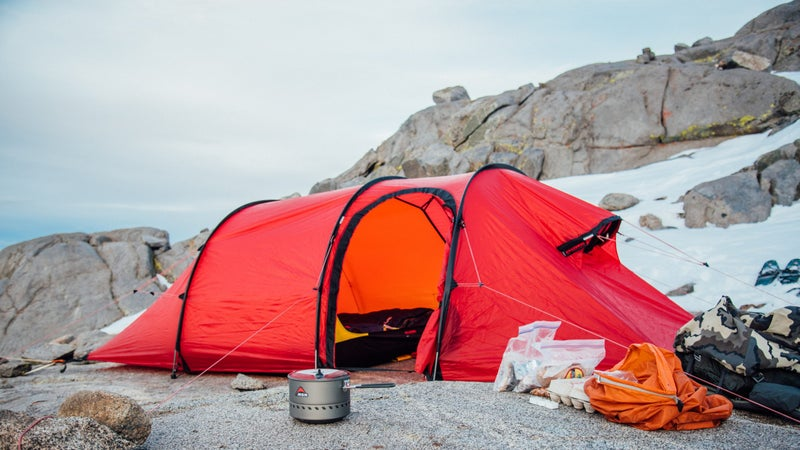 This is what the Hilleberg was designed for: mountaineering in harsh weather conditions.