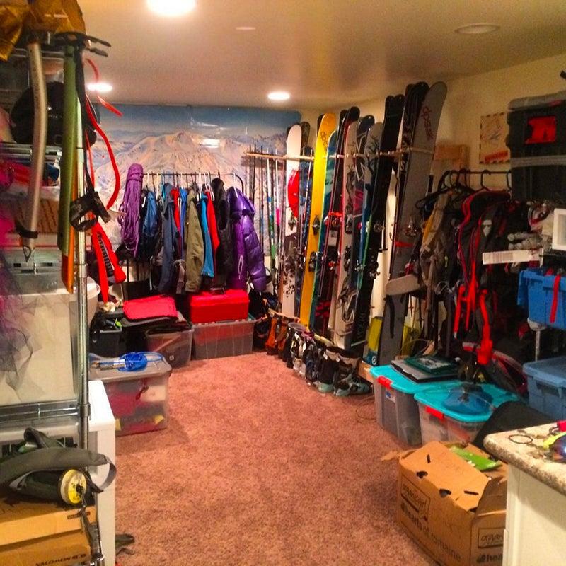 @yuliaaaa_d: Gear room looking pretty #winteriscoming