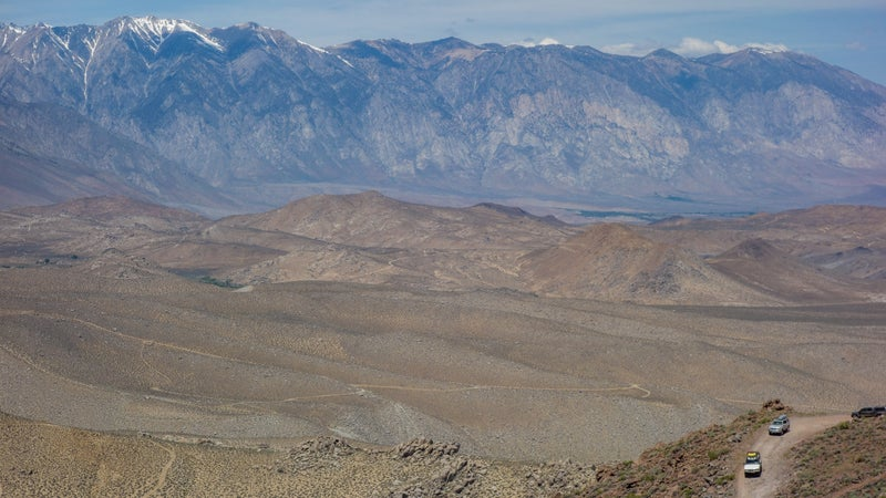 Descending back into Owens Valley, with the Buttermilks in the distance. It's not the steepest climb or descent ever, but it's long enough that you'll overheat your brakes if you don't use low-range gearing.