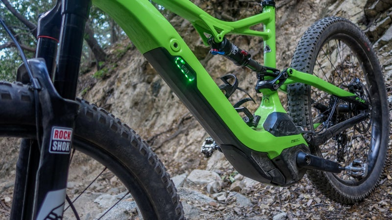 If it wasn't for the LEDs, and the pregnant bottom bracket, you wouldn't know this wasn't a normal trail bike.