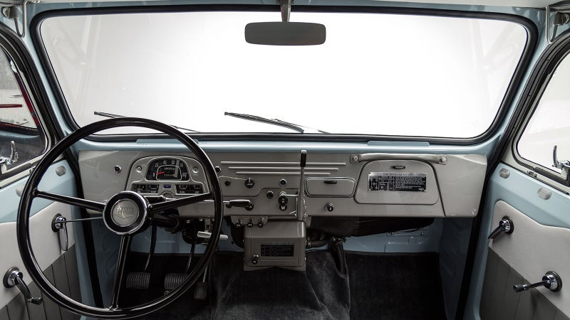 Hey automakers, want to sell some trucks? Give us an interior like this one, without all the crappy plastic and unnecessary adornment, please. Trucks are supposed to be functional.