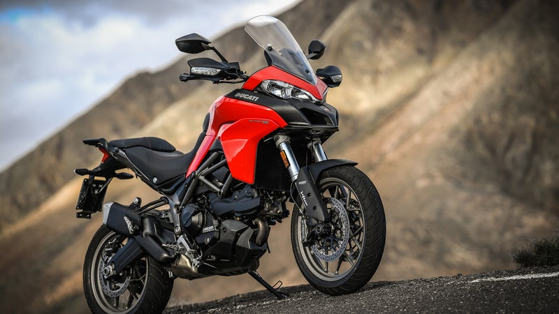 Designing the 950, Ducati drew from both the regular Multistrada 1200 and the Enduro.