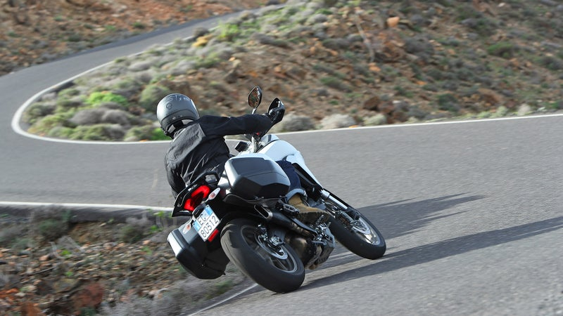 On the road, the Multistrada's wide handlebars contribute to rapid steering, while the tall, upright riding position facilitates excellent vision. That works in the mountains as well as it does in city traffic.