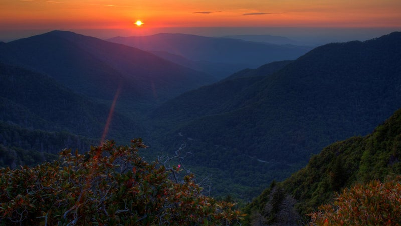 Sunset views like this are what keeps Great Smoky full of visitors.