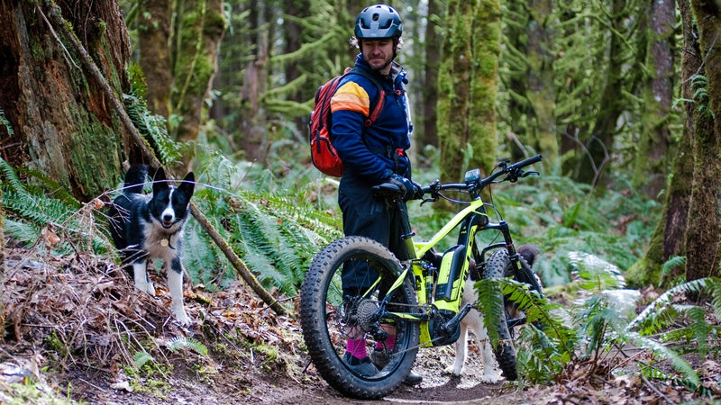 On a standard outlet, it takes 4.5 hours to charge the Bosch 500wH battery. It can power this bulls for at least 26 miles, and up to 130, depending on how much assist you ask for, and how much climbing you're doing.