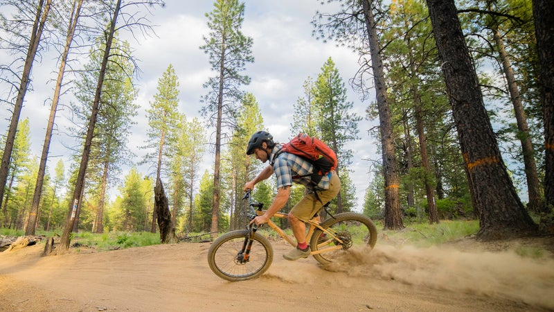 With 27.5+ tires, the ride is compliant despite the hardtail frame.
