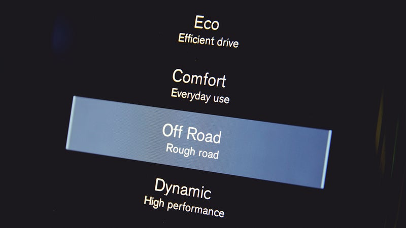 Selectable driving modes alter throttle and steering response and raise and lower the ride height when equipped with the optional air suspension.
