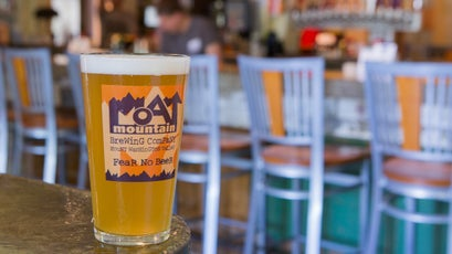 Moat Mountain beer and brisket will warm you up after a windy visit to Mt. Washington.