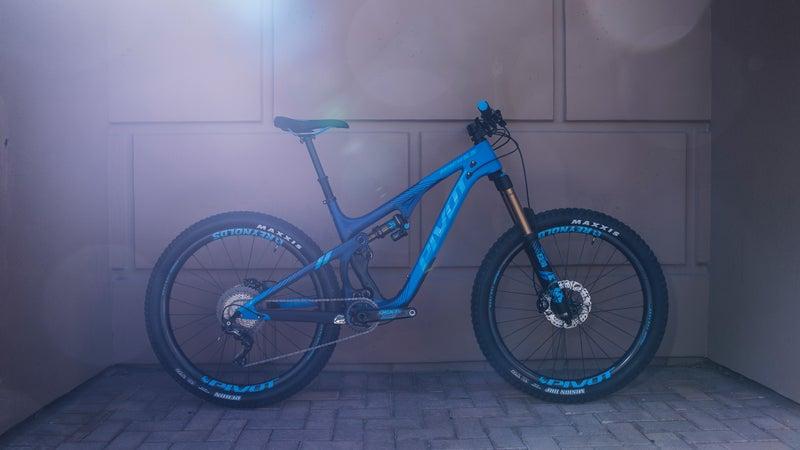 Pivot 10th Anniversary Edition Mach 5.5 Bike