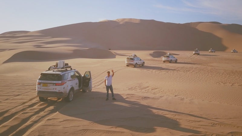 The 3.0-liter gas V6 feels a little anemic trying to haul the Discovery's 4,800 pounds up a big sand dune. We'd spend our money on the torquier turbo-diesel option.