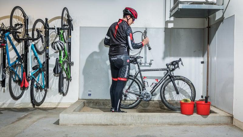 David Zimberoff, SRAM's vice president of marketing, at the company's bike-wash station.
