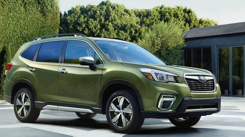 The headlights are now a little more angular, and the flares of the wheel arches are larger, but this all-new 5th gen Forester really does look a lot like the 4th gen it replaces.