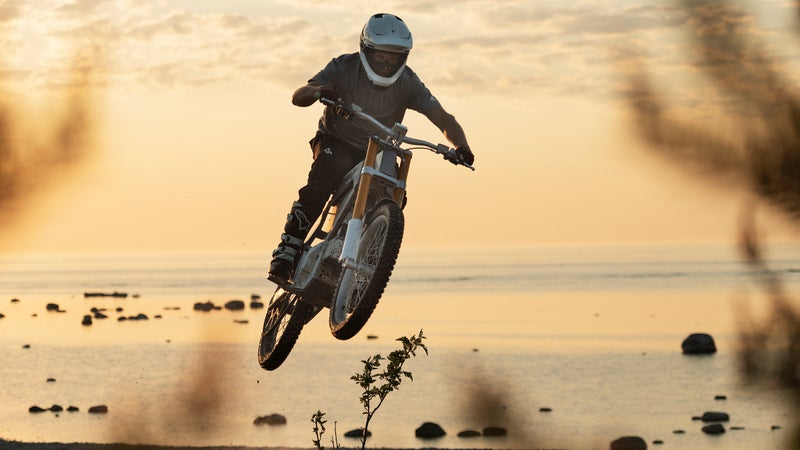 Equipped with seriously high-quality Ohlins suspension, the Kalk really can land jumps like this without drama.