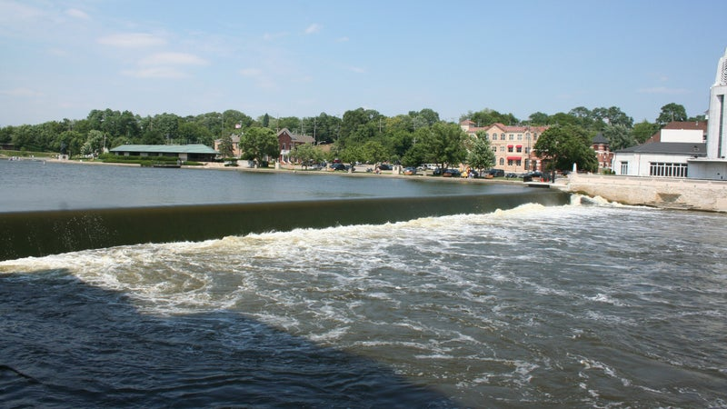 A dam on the Fox River.