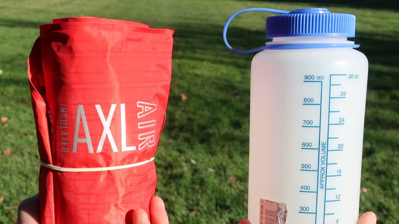 When rolled tightly, the Insulated AXL is about the size of a one-liter bottle.