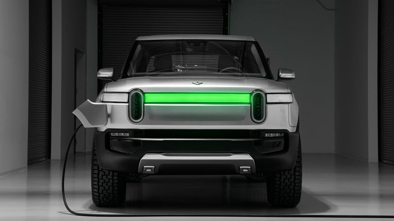 I guess the grille glows green while it's charging. Again, this is really neat, but it's also the kind of expensive, unnecessary addition that does not seem realistic for production.