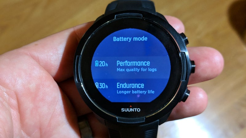 The battery settings can be changed directly on the Suunto 9 immediately before starting an activity, rather than going through the Suunto app or Movescount.