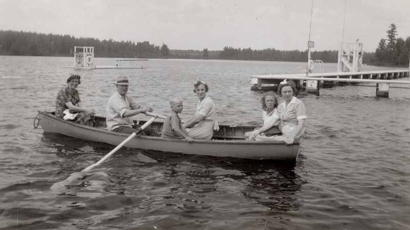 The author's father, grandparents, and other relatives on Lake Vermilion in 1942