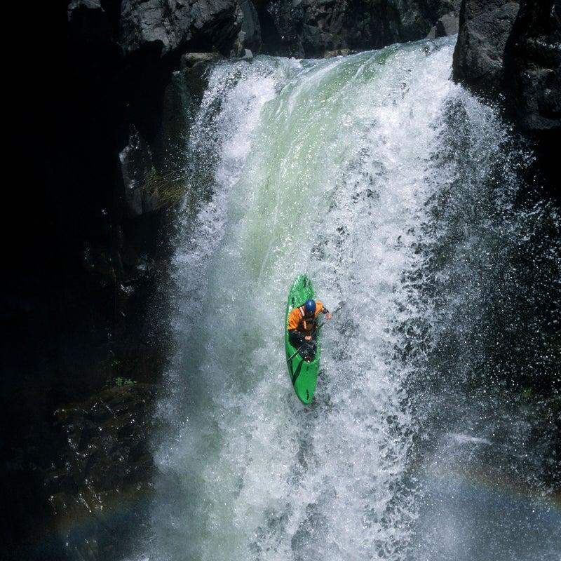 Lindgren running California's Upper Heath Springs Falls