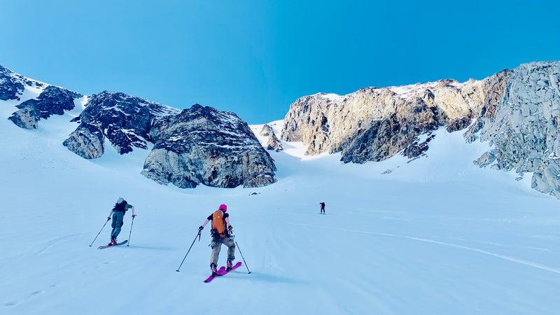 Ski descents