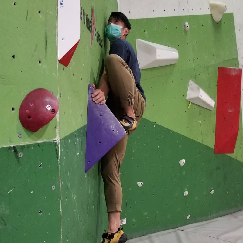 Climbing with mask