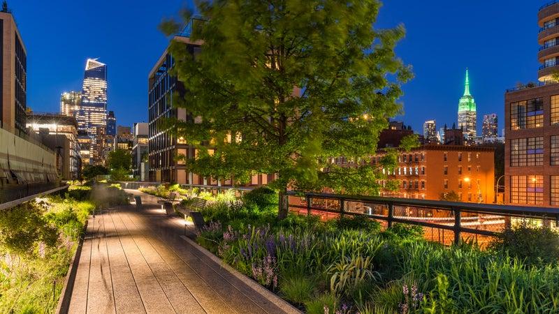 The High Line at twilight. Chelsea. Manhattan, New York City