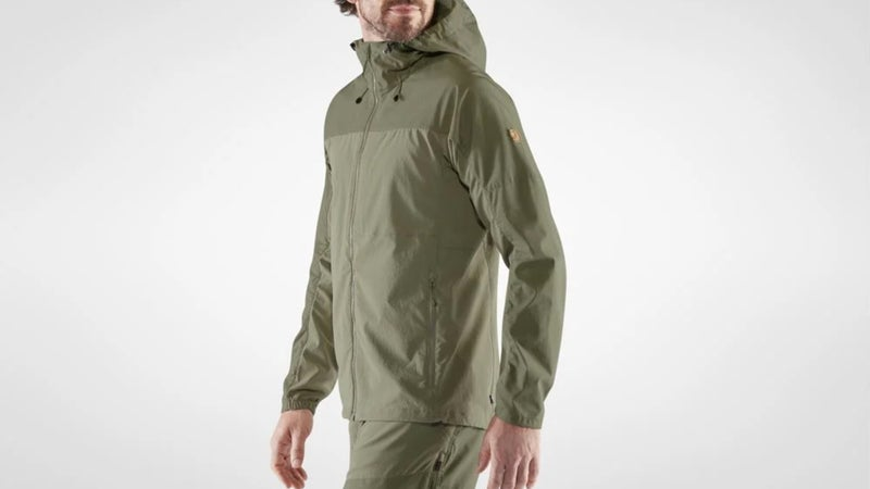 Fjällräven calls this color Savanna–light olive, but it's actually khaki, as shown in real life in the top photo.