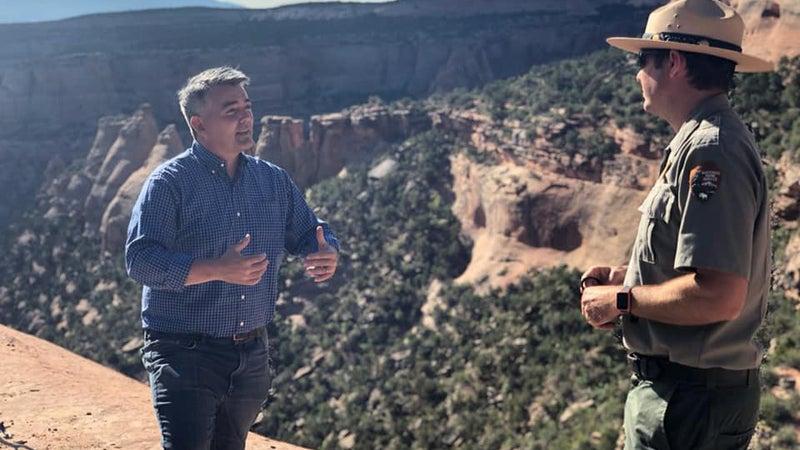 Senator Gardner speaking to a park ranger