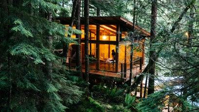 The Cascade Room at Nimmo Bay Resort