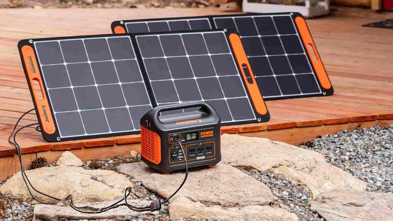 An Explorer 1000 with two SolarSaga 100 solar panels.
