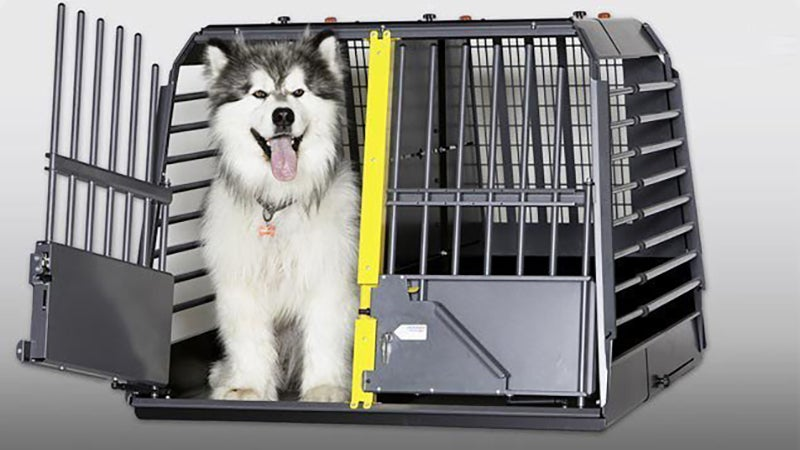 The MIM Safe Variocage completely encloses your dogs, and is designed to crush at a controlled rate, providing deceleration for flying dogs. It also works to retain them inside a vehicle following a crash.