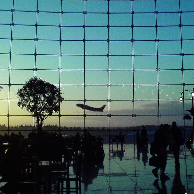 737-300 SEA SEATAC airport glass photomontage port of seattle seattle sunset travel window