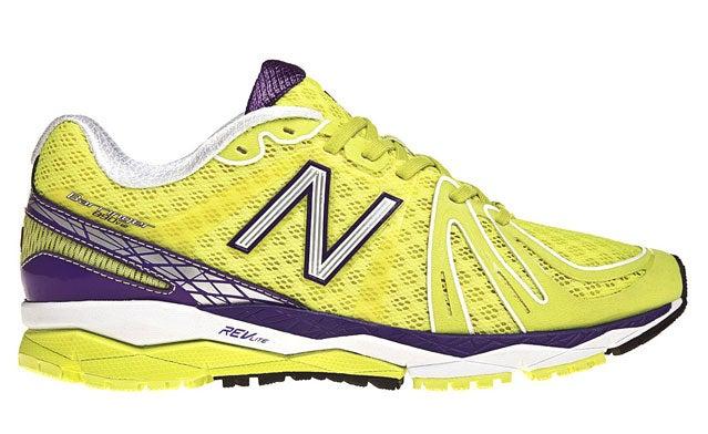 890v2 running shoes