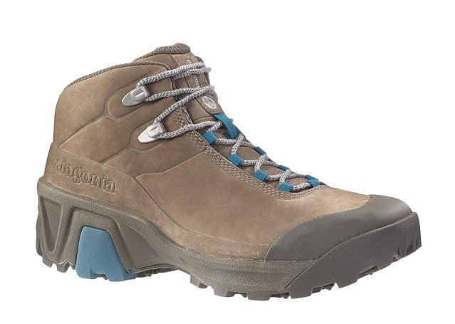 P26 hiking boot