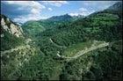 Cuidado: tight turns on a Spanish mountain road