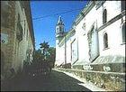 A cobblestone sidestreet in Santa Rosa