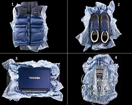 Patagonia Slingshot Vest, Merrell Wilderness, Toshiba NB200, Plymouth Gin , Plymouth Gin