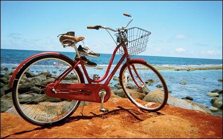 Julia Mancuso bike & shoes