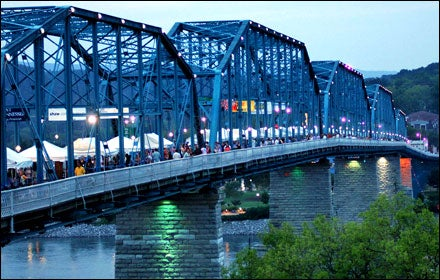 Chattanooga, TN, Wine Over Water event