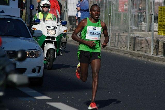 Patrick Makau en route to setting a new a new world marathon record, 2:03:38, at the Berlin Marathon