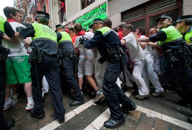 Police sweep Estafeta