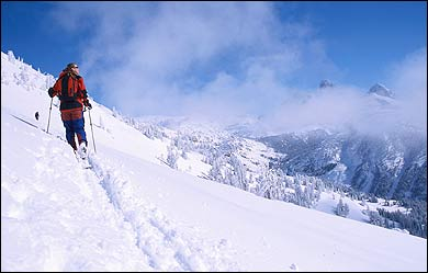 adventure sports camps Snowboarding, Avalanche Skills/Backcountry Skiing, Skiing, Dogsledding, Cross-Country Skiing