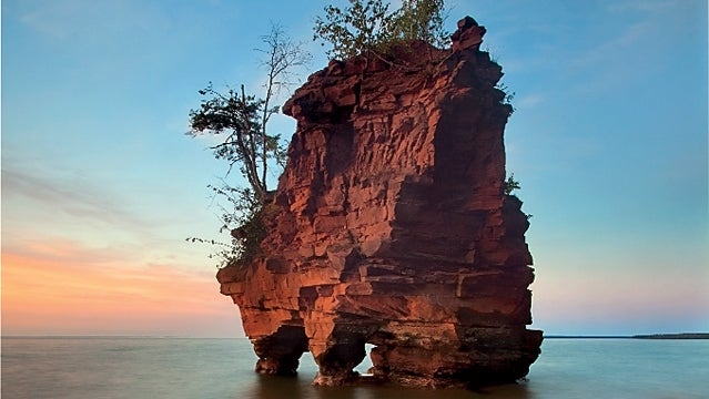 apostle islands national lakesh wisconsin solitude travel vacation devil's island