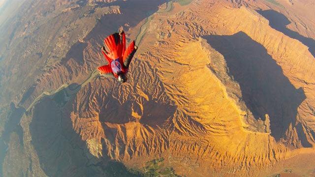 Wingsuit BASE jumping